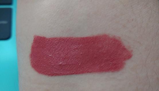 Rimmel Stay Matte Liquid Lip Colour in 200 Pink Blink