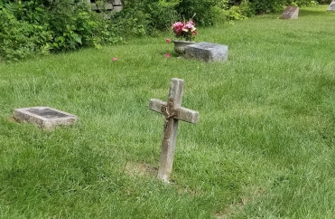 I've never seen a grave marker that's just a crucifix before.